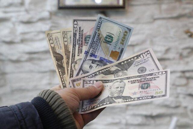 دلار افزایش یافت