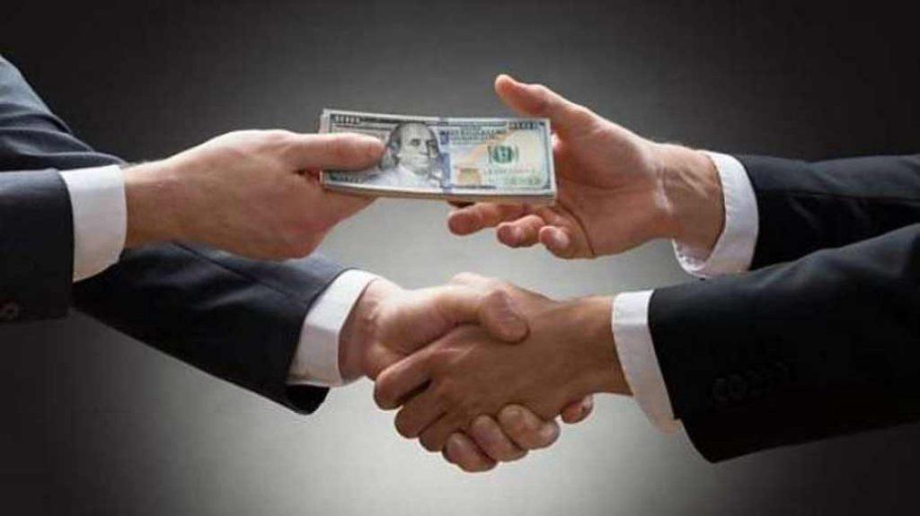 دولت به ناچار اختاپوسی می شود که به جان تمام اقتصاد می افتد!