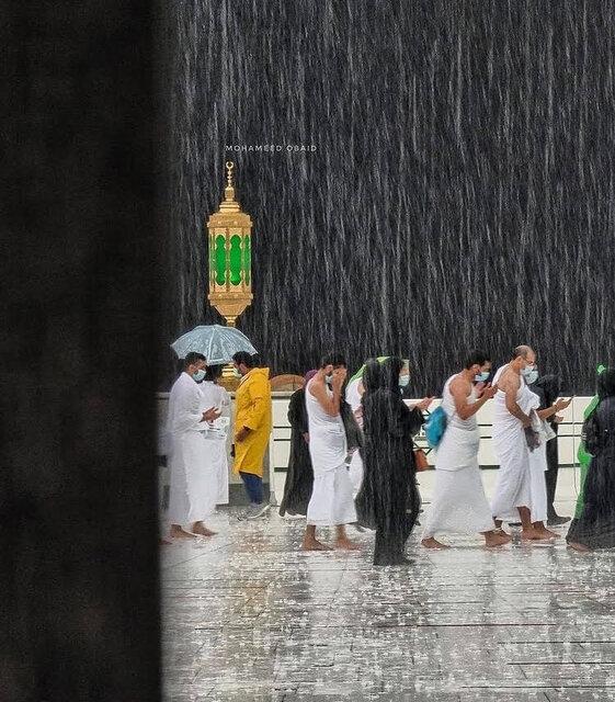 خانه خدا زیر بارش باران