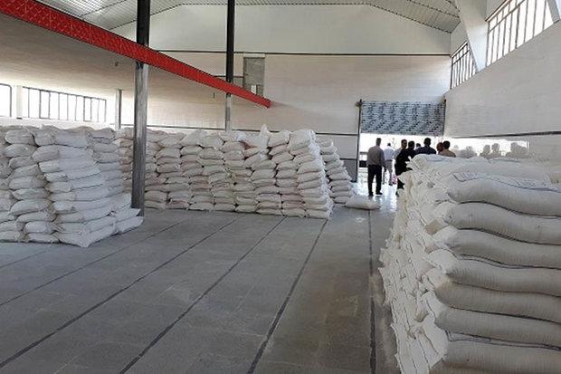 کشف ۴۰ هزار و ۶۰۰ کیلو آرد احتکار شده در تبریز