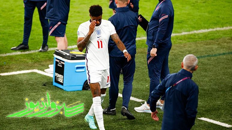 بوریس جانسون فحاشی «نژادپرستانه» را به ۳ بازیکن انگلیسی محکوم کرد