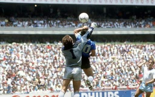 تیتر انگلیسی، این بار برای اسطوره فوتبال ملقب به دست خدا