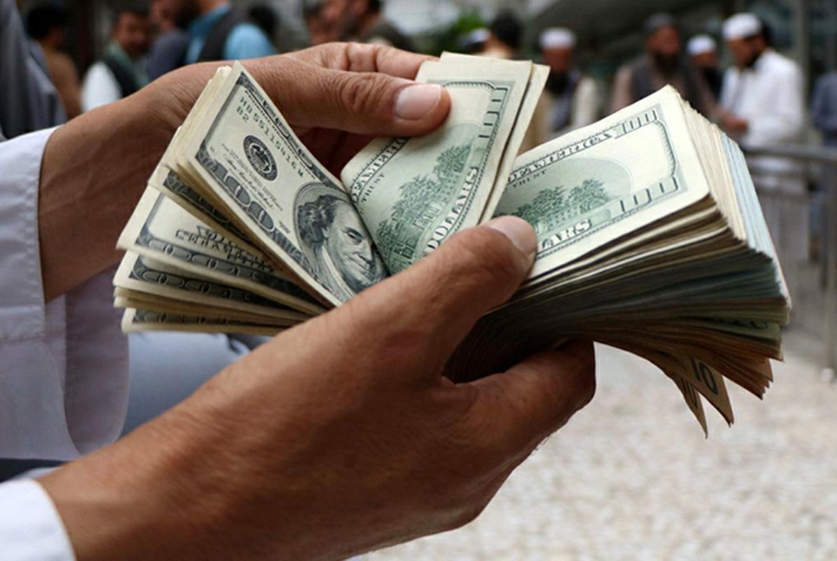 بهای امروز دلار ۲۷ هزار و ۶۵۰ تومان است