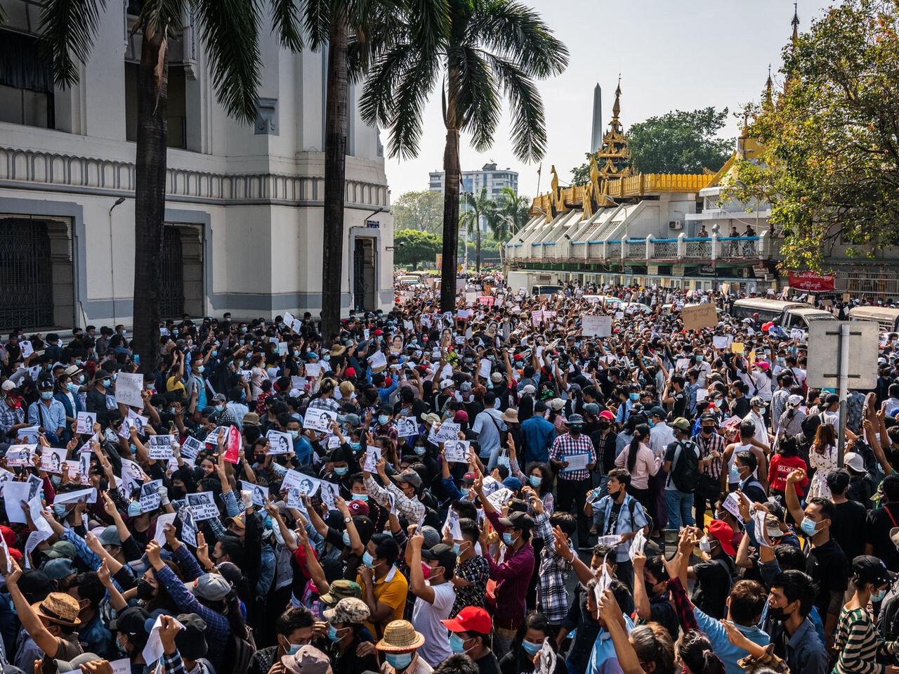 اعتراضات فعالان میانماری همچنان ادامه دارد