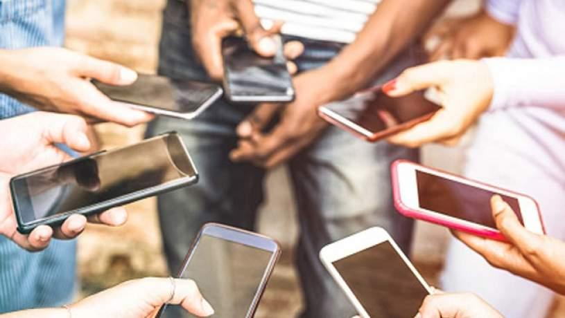 ضریب نفوذ تلفن همراه در کشور 150 درصدی شد/ پیشتازی همراه اول