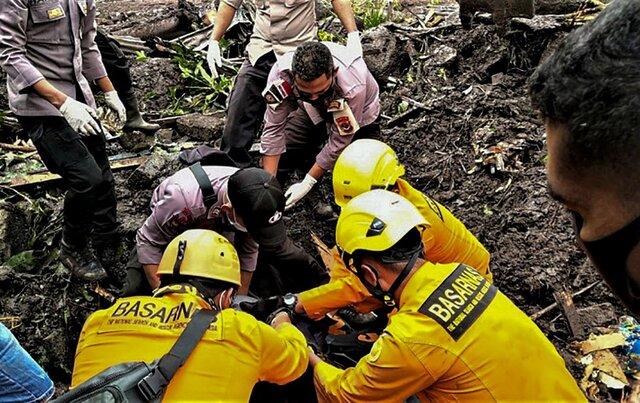 شمار تلفات طوفان در اندونزی به ۱۶۵ تن رسید