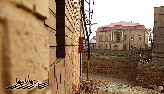 اقدامات حفاظتی برای استحکام بناهای تاریخی مجموعه عمارت پیرنیا آغاز شد