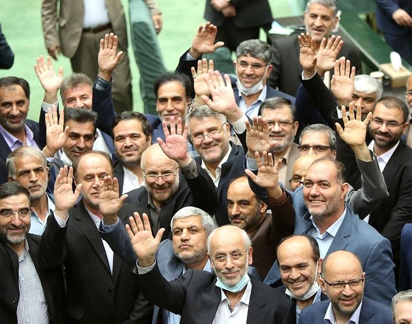 مفتح: هیات رییسه قیم نمایندگان نیست
