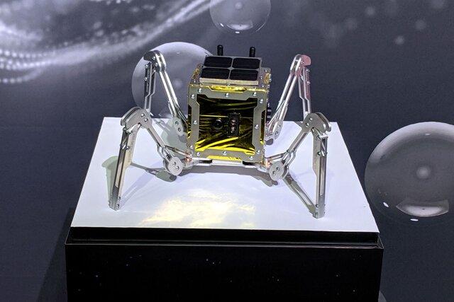انگلیس یک عنکبوت فضایی به ماه میفرستد