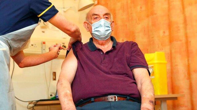 واکسن آسترازنکا به اولین داوطلب انگلیسی تزریق شد