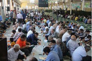 35 هزار پرس غذا در دهه ولایت در سبزوار توزیع می شود