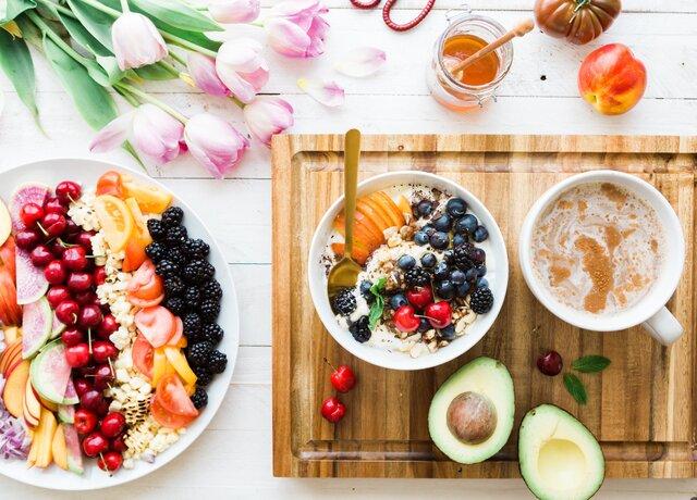 تاثیر پوشیدن لباس رسمی در انتخاب غذاهای سالمتر