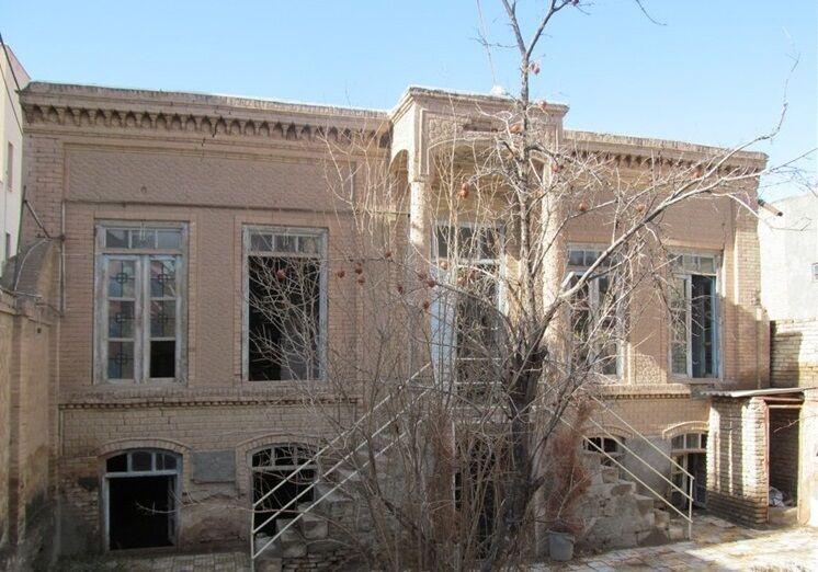 بازسازی خانه تاریخی اولیا آغاز شد