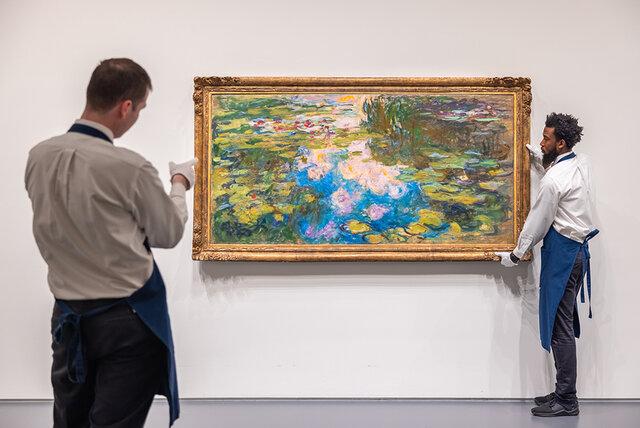 حراج یکی از نفیسترین تابلوهای «گلهای نیلوفر آبی»