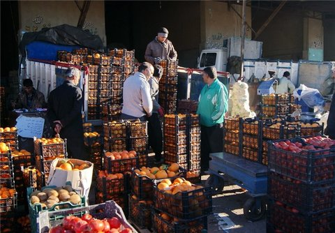میوه شب یلدا در میادین میوه و تره بار ۴۰ درصد ارزان تر است