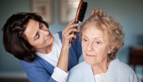 پرستاران و مراقبان افراد مبتلا به آلزایمر بخوانند