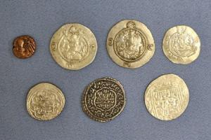 ۷ سکه با قدمت دوره سلوکیان به موزه بزرگ خراسان اهداء شد
