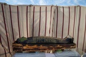معبد و تابوتهای باستانی در مصر کشف شد