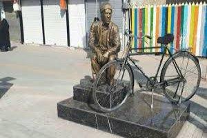پیرمردی که 48 سال دوچرخه ای را نگه داشت تا صاحبش برگردد
