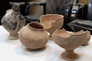 کشف 50 قطعه عتیقه سه هزار ساله در سقز