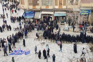 در روزهای پیک چهارم کرونا: نوروز 1400 را ایرانی ها با صف خرید مرغ آغاز کردند