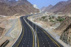 آزادراه شیراز - اصفهان حداکثر تا پایان سال ۹۹ به بهرهبرداری برسد