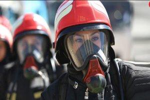 زنان میتوانند در آزمون استخدامی آتشنشانی شرکت کنند
