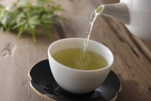 ترکیبات موجود در چای سبز به مقابله با سرطان کمک میکنند