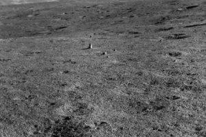 یک سنگ عجیب در نیمه پنهان ماه کشف شد
