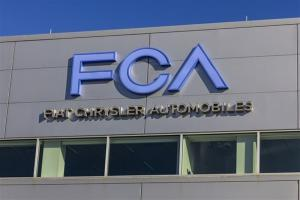 فیات کرایسلر برای ۹۰۰ هزار خودرو در آمریکا فراخوان داد