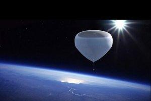 توریستهای فضایی با بالن به فضا میروند