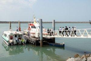 اسکله های گردشگری قشم ۲ هفته تعطیل شدند