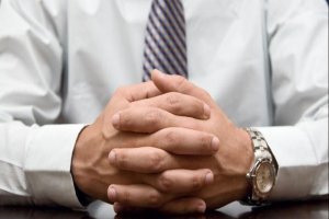 ۱۴ عادت منفی که به کسب و کارتان آسیب میزند
