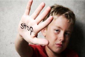 چگونه با افرادی که آزار کلامی میدهند، مواجه شویم