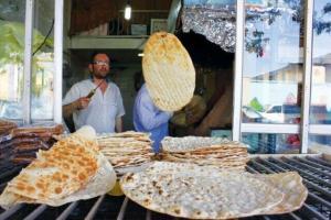 توزیع 110 هزار نان رایگان در مناطق حاشیه شهر سبزوار