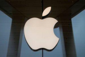 تولید مکبوک و آی پد اپل به تعویق افتاد