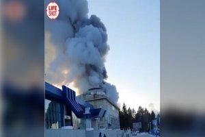 آتشسوزی مهیب در فرودگاهی در مرز روسیه-چین